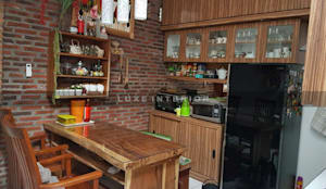 kitchen:modern  oleh luxe interior , Modern Kayu Wood effect