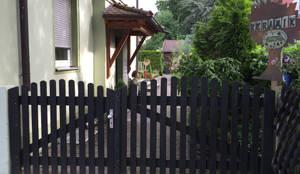 Vorher:   von Edelstahl Atelier Crouse - individuelle Gartentore