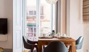 OpenSpace - Zona de refeição: Casa  por Traço Magenta - Design de Interiores