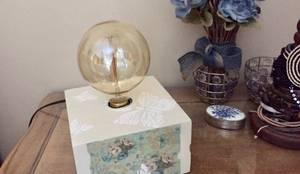Veladores Vintage: Livings de estilo  por ANADECO - Decoradora y Diseñadora de Interiores - La Plata