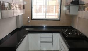 Modular Kitchen:  Kitchen by Bluearch Architects & Interiors