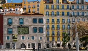 Quartos Tejo - Casa Amarela, Lisboa :   por EMME Atelier de Interiores