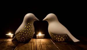 Peças decorativas - pássaros luminária: Casa  por CRIVART - Genuine Soul, LDA