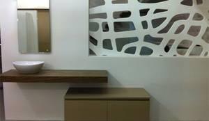 Muebles auxiliares de baño en Barcelona: Baños de estilo  de TheBathPoint
