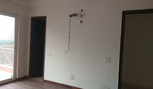 MASTER BEDROOM DESIGN (LANDMARK AVENUE):  Bedroom by Matter Of Space Pvt. Ltd.