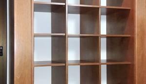 VESTIDOR EN CARDALES: Dormitorios de estilo  por Patagonia wood,