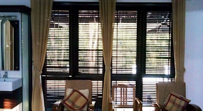 Clinque window blind systems