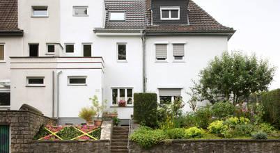 Unglaubliche Verwandlung: Aachener Architekt saniert 30er Jahre Haus für nur 120.000€