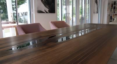 Einzigartiger Esstisch aus massivem Holz