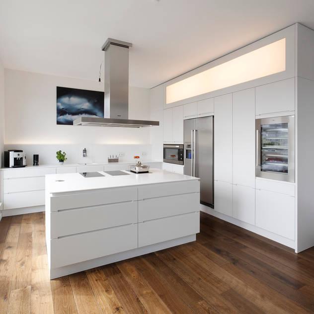 modern Kitchen by WEINKATH GmbH
