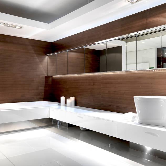 modern Bathroom by Architettura & Servizi