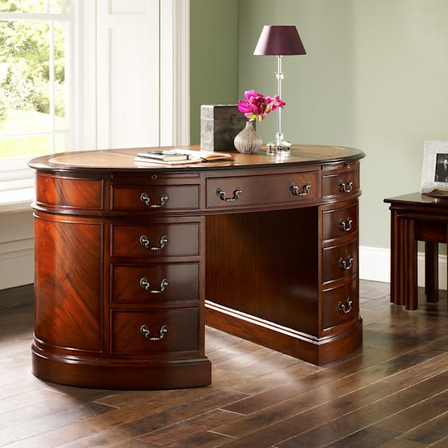 經典  by Parklane Furniture, 古典風