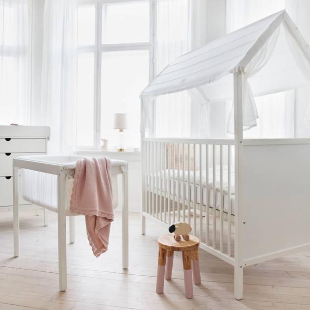 Stokke Home Bett: skandinavische Kinderzimmer von Stokke GmbH