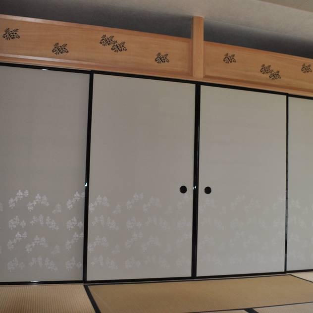 改修後・上部桐欄間・下部は京からかみの襖: 樹・中村昌平建築事務所が手掛けたです。