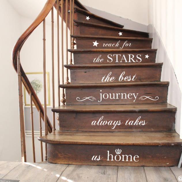 scandinavian Corridor, hallway & stairs تنفيذ Monkimia