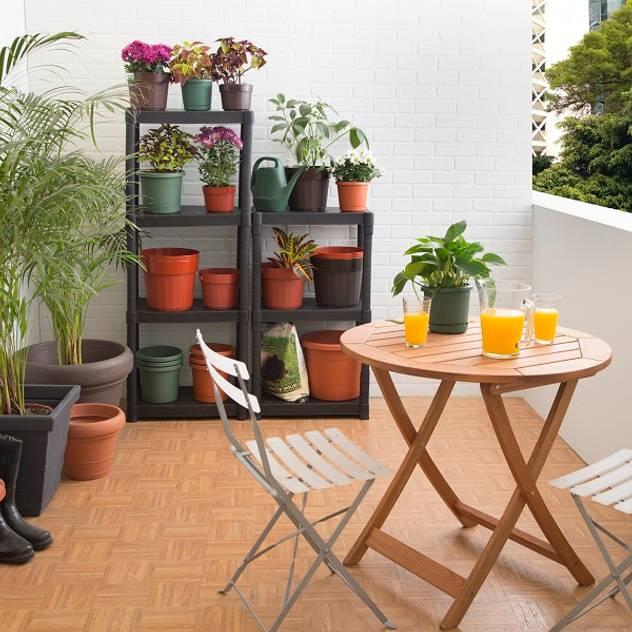 Jardines de estilo mediterraneo por Idea Interior