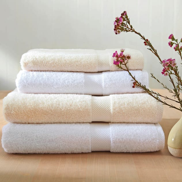 Organic Fairtrade Cotton Towels: modern Bathroom by King of Cotton