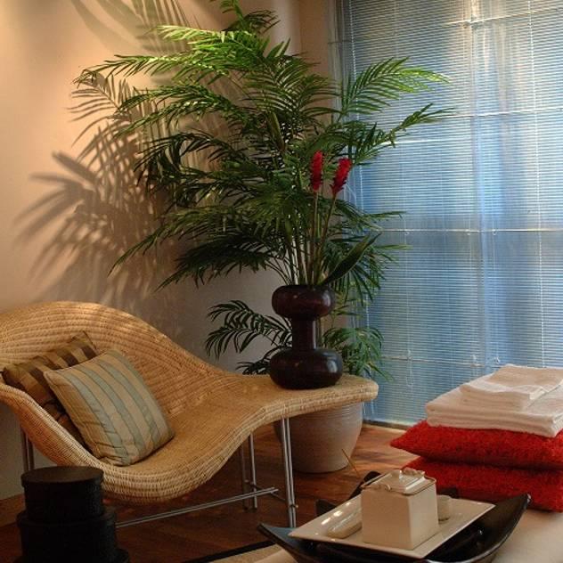 asian Living room by E&U