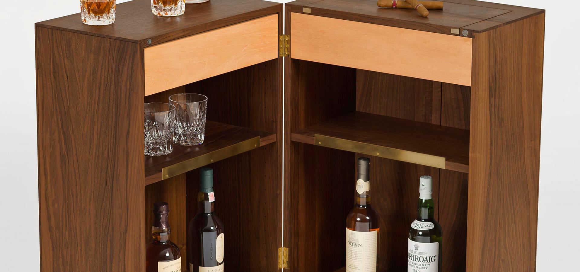 Whisky Schrank von Wood & Luxury | homify