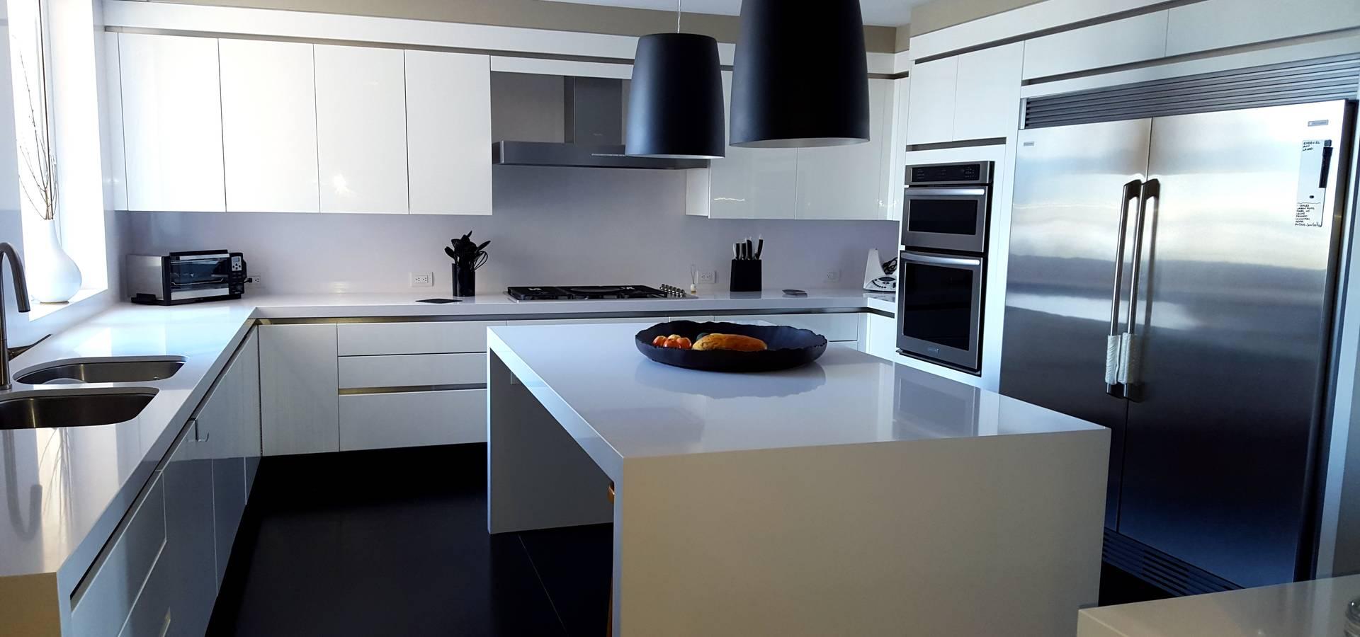 Cocina l nea espa ola blanca de cocinas y muebles flores for Cocinas espanolas modernas