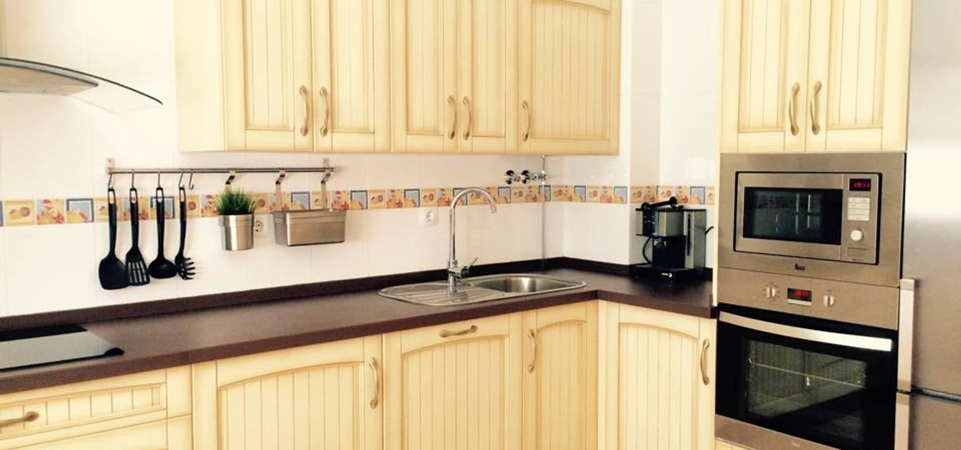 Cocinas y muebles angulo dise adores de cocinas en for Cocinas de ocasion sevilla