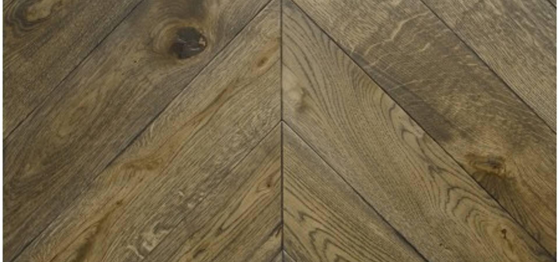 Chevron wood flooring by tomson floors glasgow homify for Hardwood floors glasgow