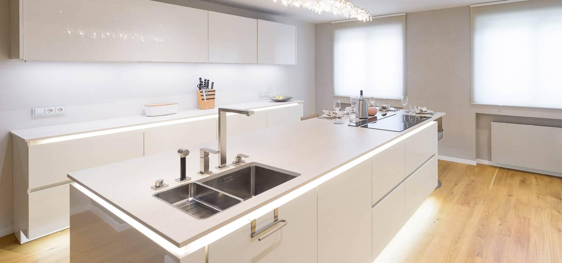 1001 design cuisinistes lyon sur homify. Black Bedroom Furniture Sets. Home Design Ideas