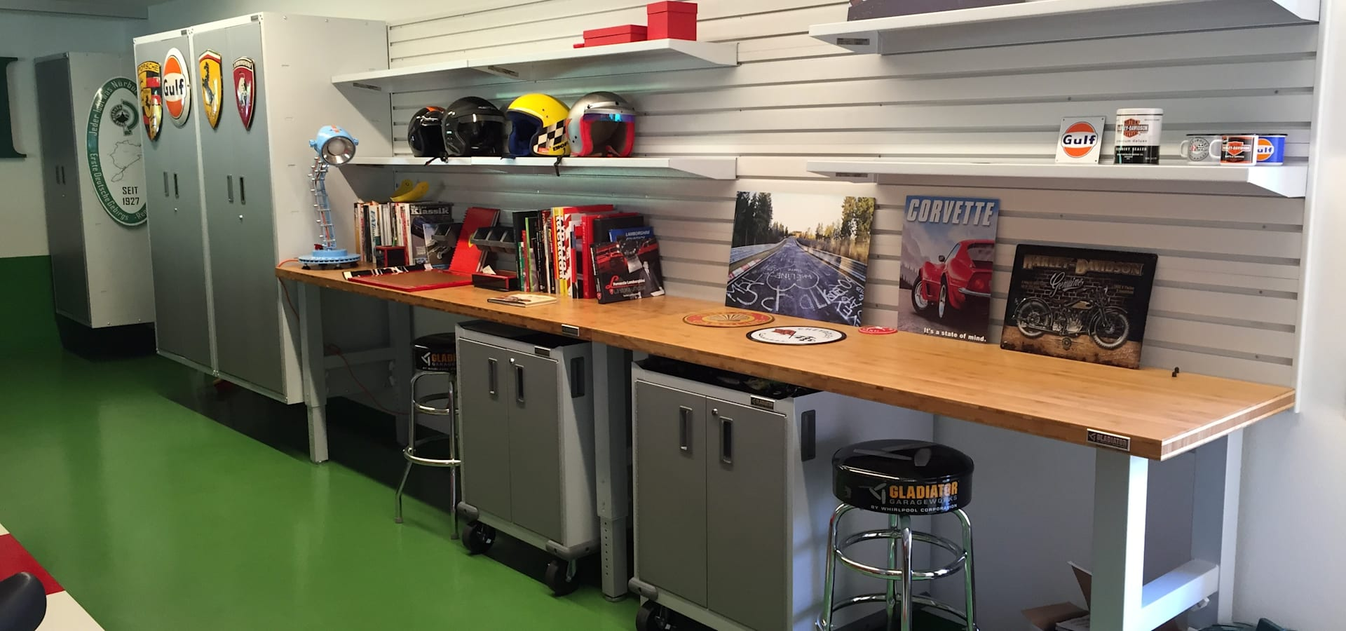 Mobili per garage di gladiatorworx sagl info for Idee di garage per auto