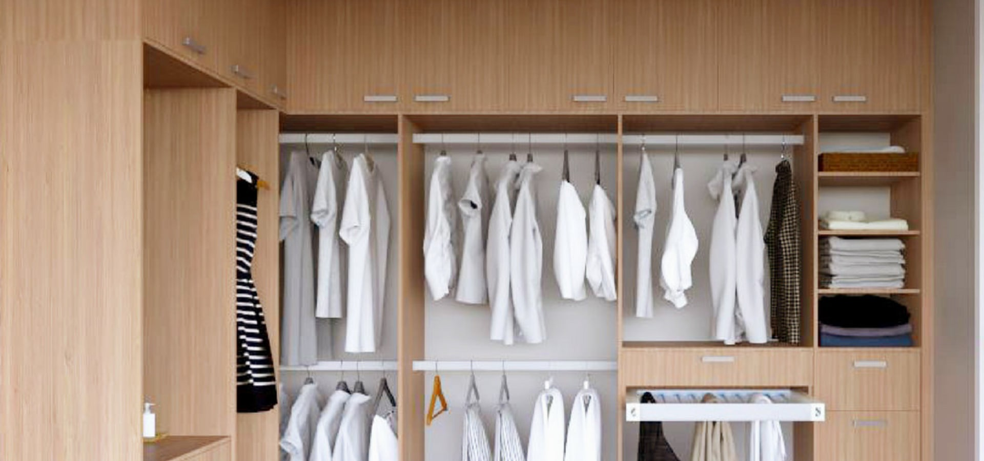 ฺฺB For U Built-In Closet