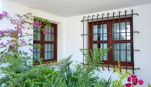 translation missing: in.style.windows-doors-.rustic Windows & doors  by Conely