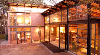 Reinier Brönn Architects & Associates