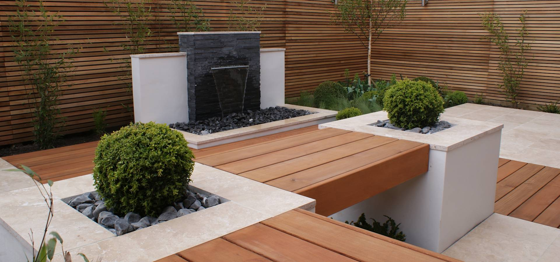 Contemporary courtyard salford by hannah collins garden for Garden design questions