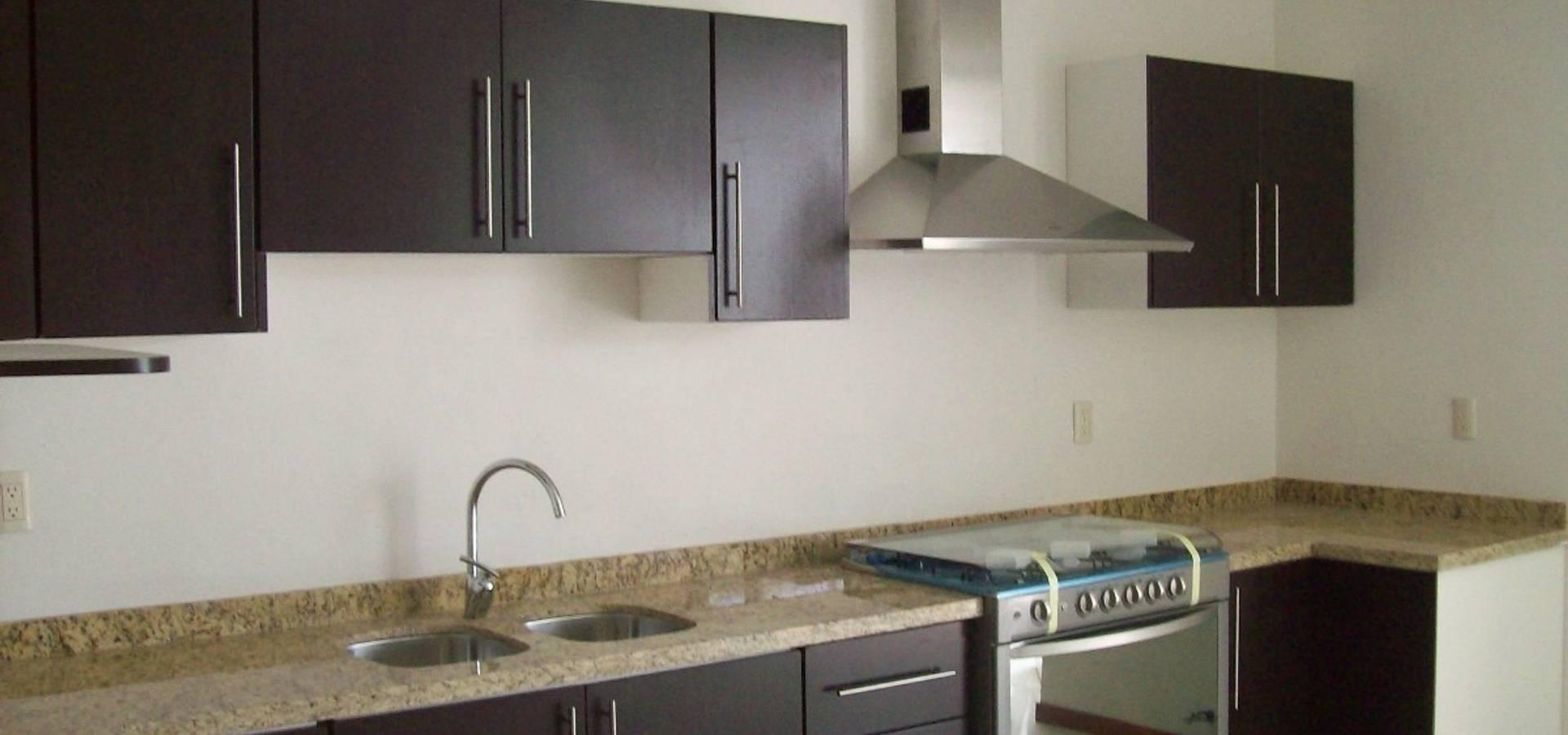 Cocinas integrales de muebles bullwood homify for Cocinas y muebles integrales