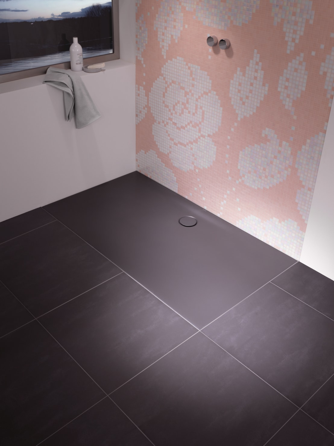bettefloor side duschkomfort und bewegungsfreiheit in xxl von bette gmbh co kg homify. Black Bedroom Furniture Sets. Home Design Ideas