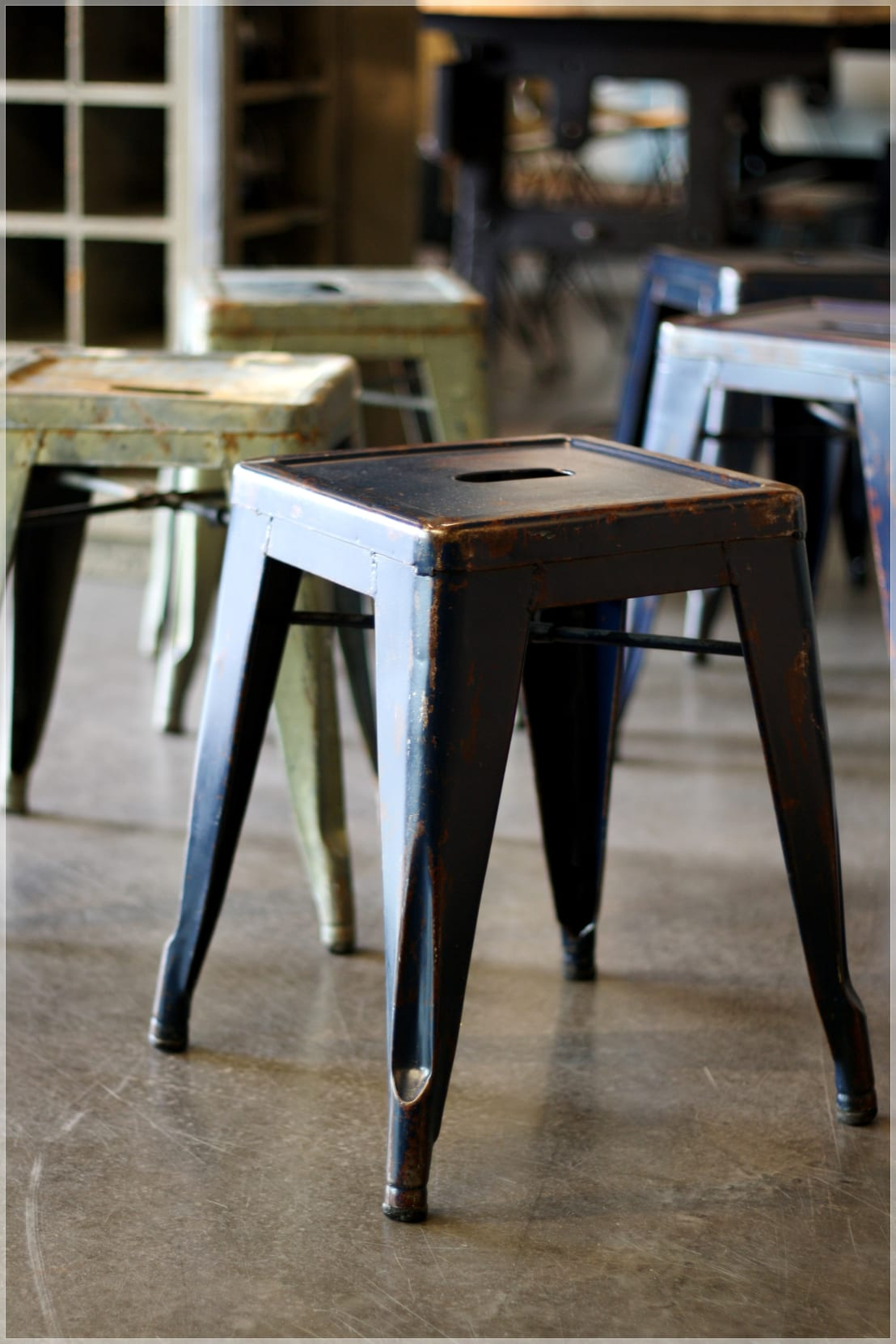 m bel tolix hocker vintage di func functional furniture. Black Bedroom Furniture Sets. Home Design Ideas