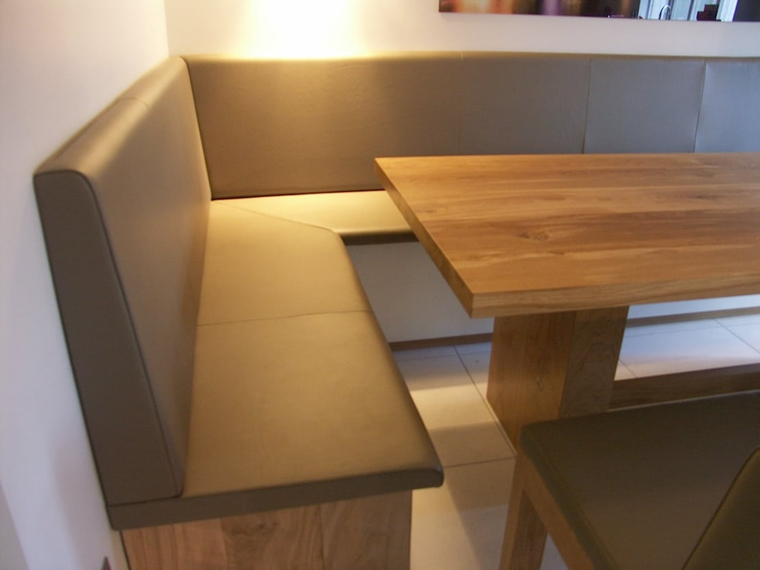 Fitted kitchen bench seating by hide and stitch homify Kitchen bench seating