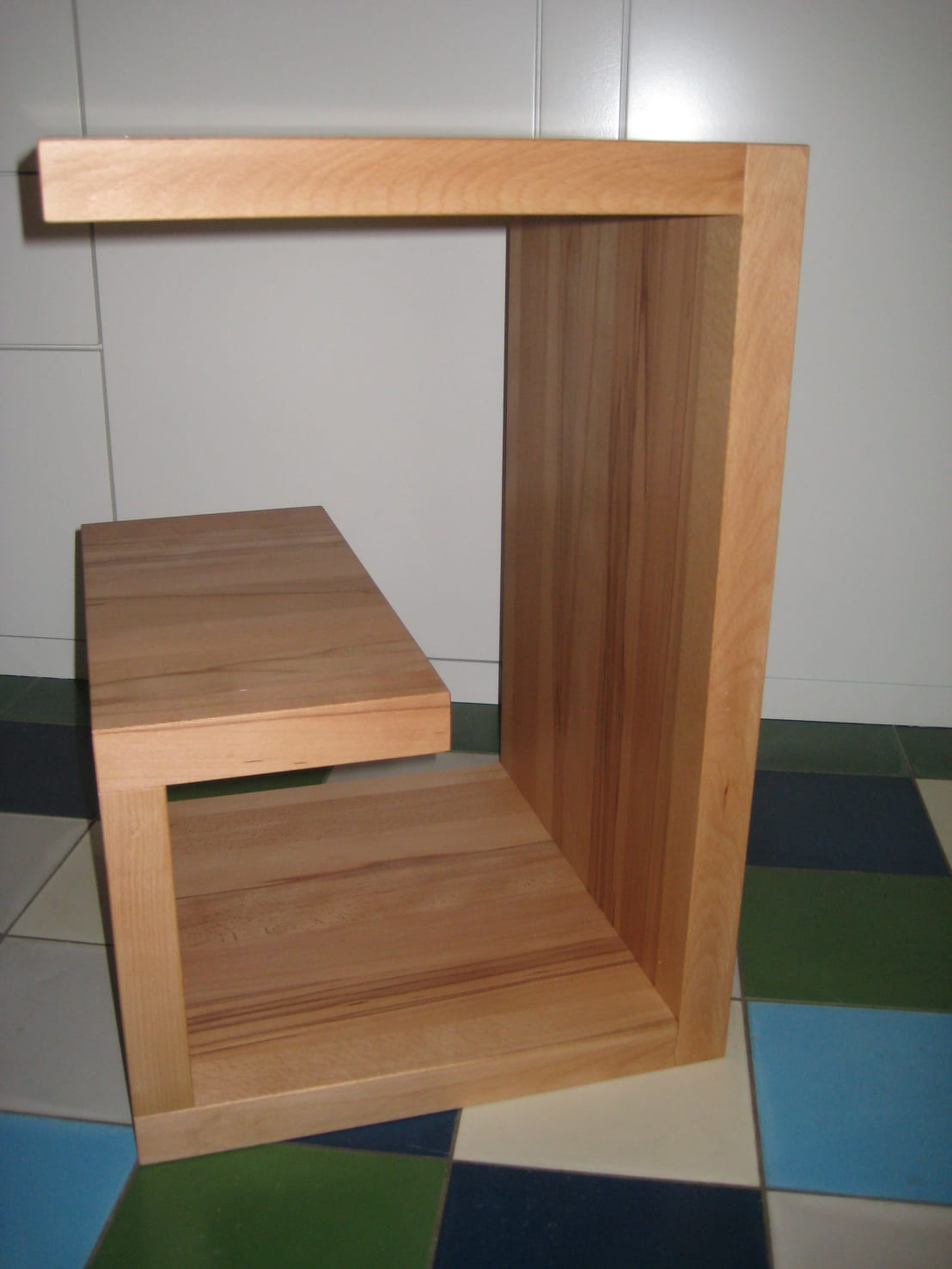 schreinerei lothar schulz couchtisch beistelltisch in schneckenform kernbuche ge lt homify. Black Bedroom Furniture Sets. Home Design Ideas