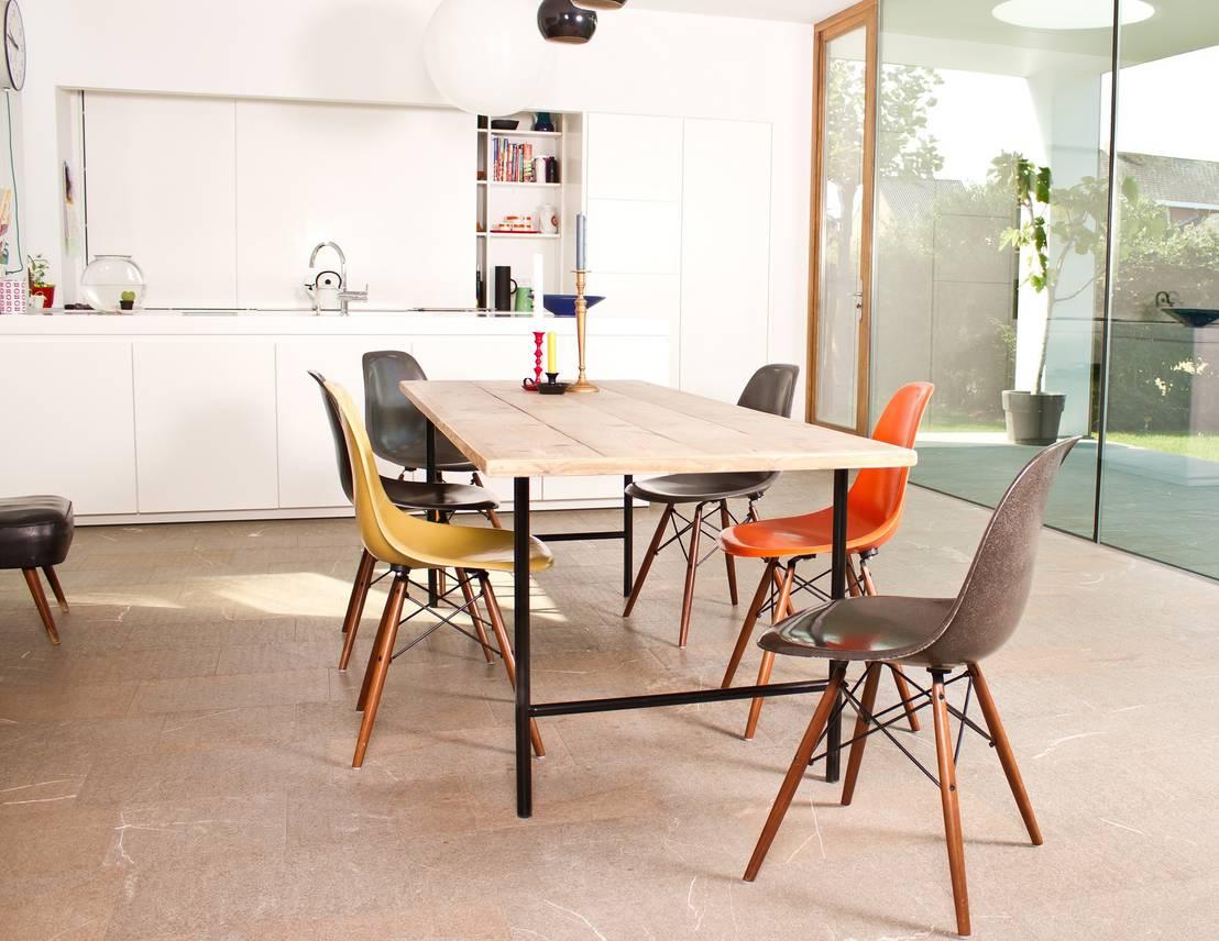 tisch bauholz runde tischbeine aus stahl von pure wood. Black Bedroom Furniture Sets. Home Design Ideas