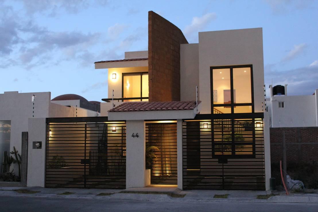 10 portones espectaculares para la entrada de tu garage for Puertas de madera para cochera