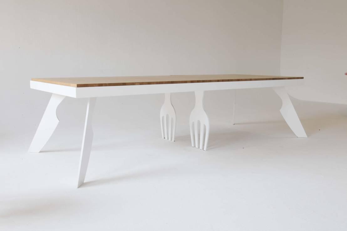 holztische f r jeden geschmack. Black Bedroom Furniture Sets. Home Design Ideas