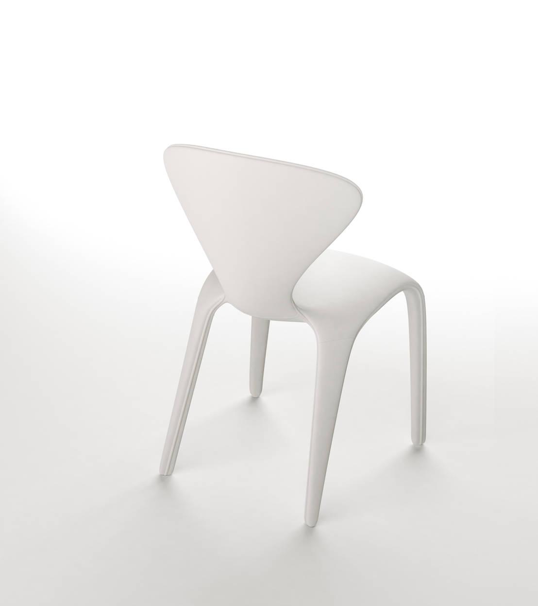 la chaise marilyn de sacha lakic homify. Black Bedroom Furniture Sets. Home Design Ideas