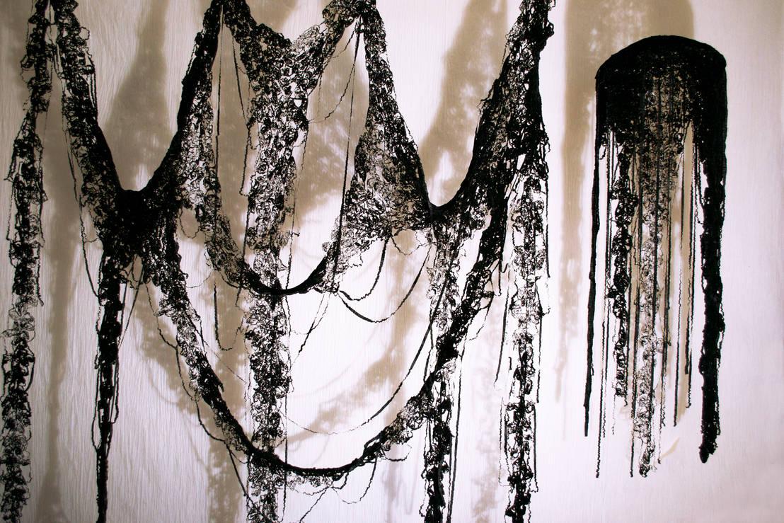 dentelle noire von maryse dugois homify. Black Bedroom Furniture Sets. Home Design Ideas