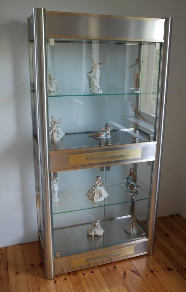 metall glas vitrine von metall art moebel homify. Black Bedroom Furniture Sets. Home Design Ideas