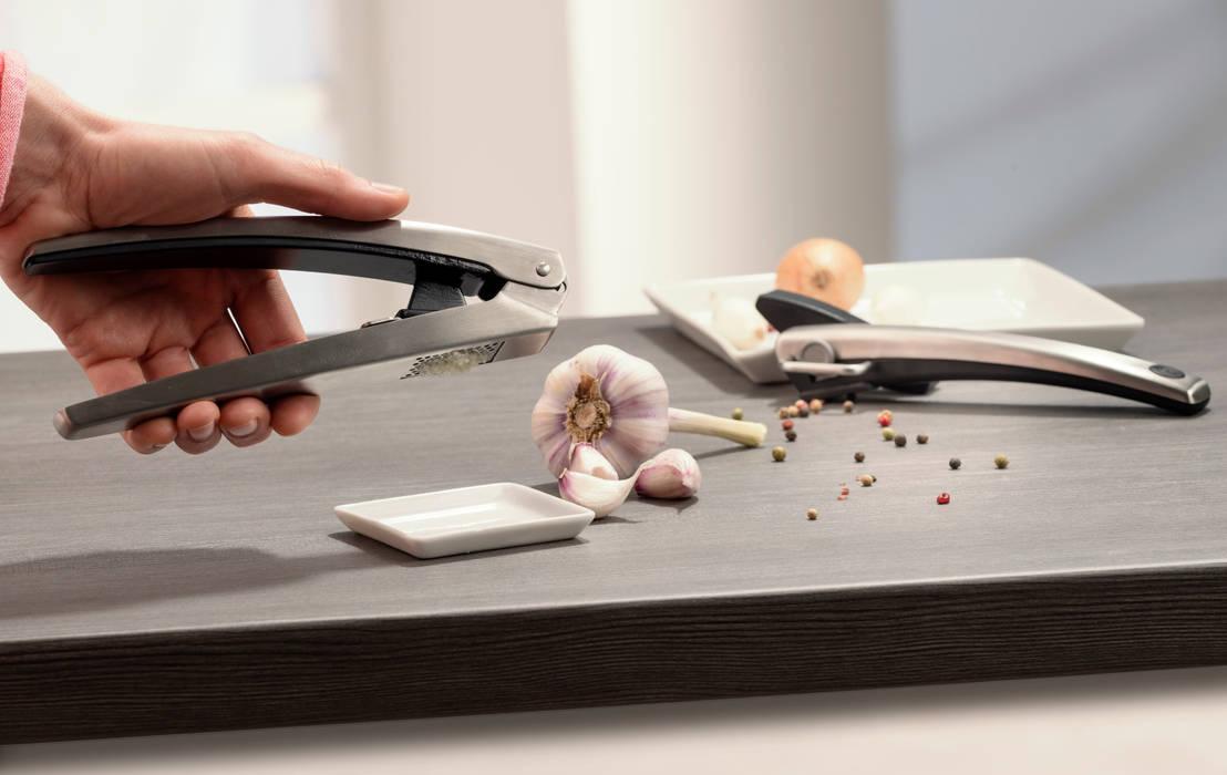knoblauchpresse im kompakten design von ed w sthof dreizackwerk kg homify. Black Bedroom Furniture Sets. Home Design Ideas