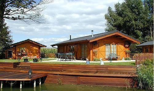 Modello lori 4 svizzera von casedilegnosr homify for Modello di casa bungalow