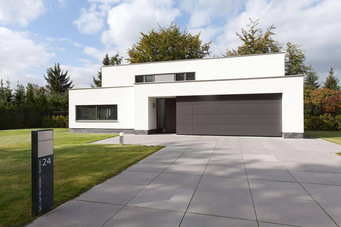 puristisches einfamilienhaus mit pool. Black Bedroom Furniture Sets. Home Design Ideas