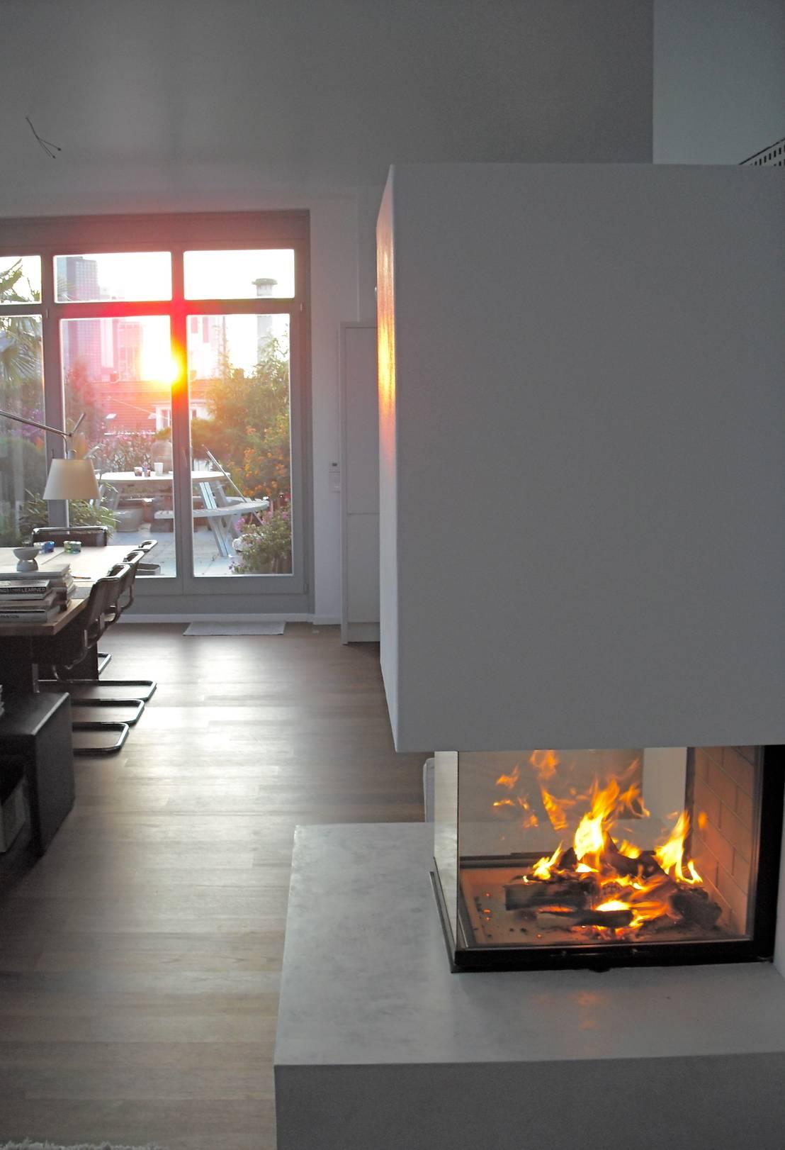dreiseitiger kamin von ofenmanufaktur meisterbetrieb homify. Black Bedroom Furniture Sets. Home Design Ideas