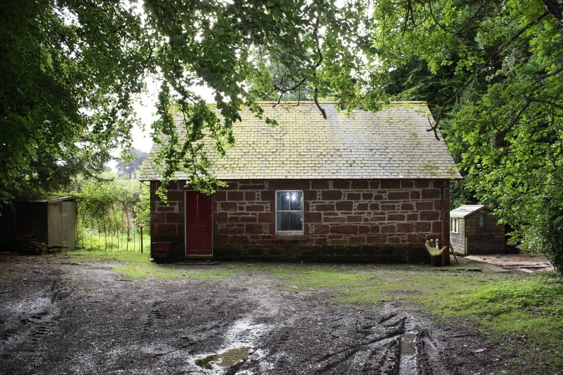 Voor en na klein stenen huisje wordt inspirerend for Klein huisje in bos te koop