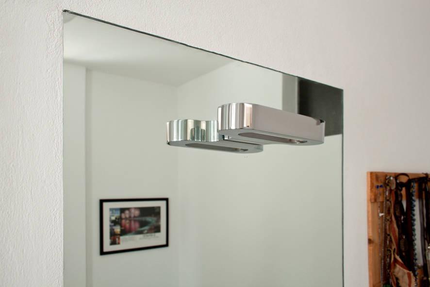 Luci specchio bagno dettagli che fanno la differenza for Specchio bagno profilo alluminio