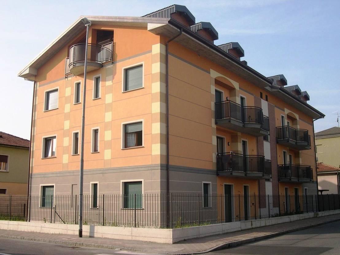 Forma E Colori Treviglio condominio via trieste, treviglio ( bg ) di | homify